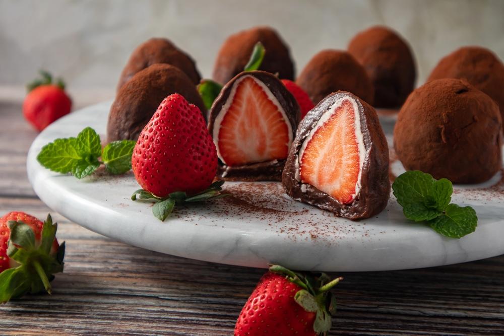 【不插電烘焙】冬日甜蜜提案:巧克力草莓大福